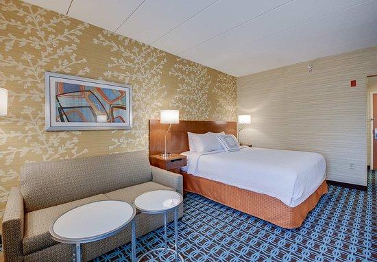 Tewksbury, MA: Guest Room Sofa Bed