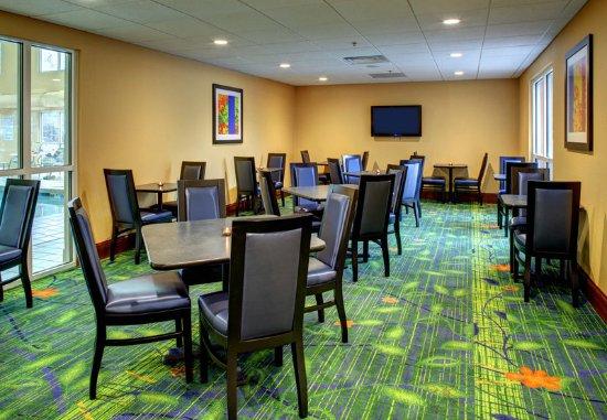 Fletcher, Kuzey Carolina: Breakfast Sitting Area