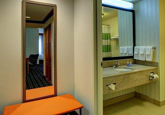 Fletcher, North Carolina: Guest Bathroom