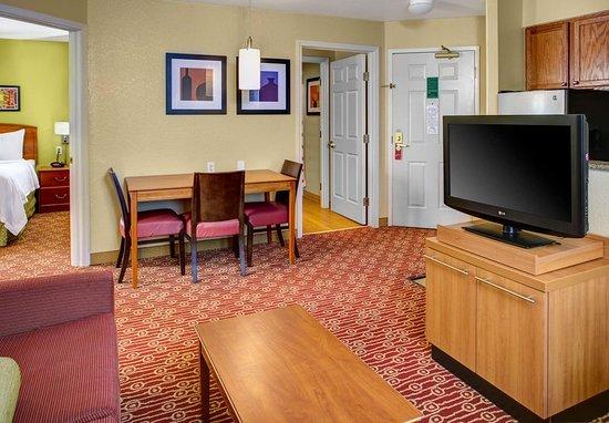 Westlake, OH: Two-Bedroom Suite