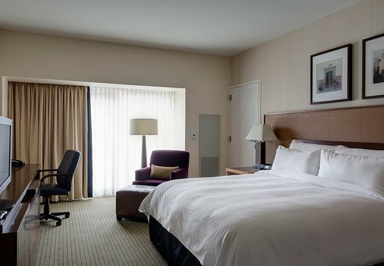 Westlake, TX: King Guest Room