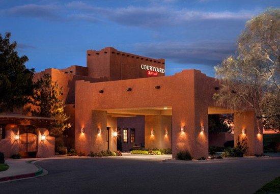 Courtyard Albuquerque: Entrance