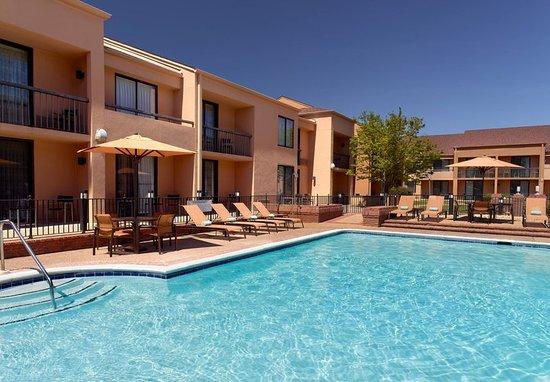 Courtyard Columbus: Outdoor Pool