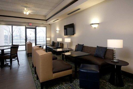 West Seneca, NY: Lobby