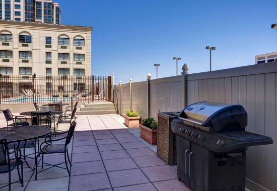 New Rochelle, NY: Outdoor Patio & BBQ Area