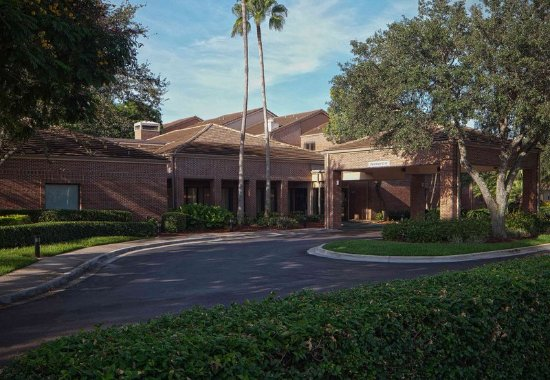Plantation, FL: Entrance