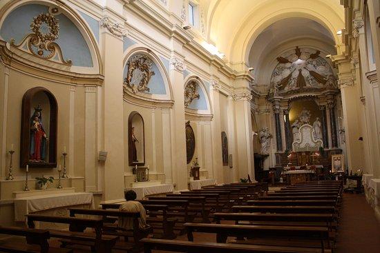 Civitella del Tronto, Ιταλία: Intérieur de l'église