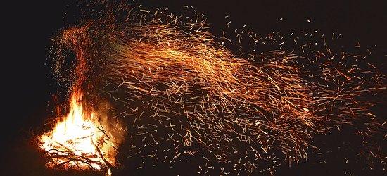 Wilyabrup, Austrália: Seasonal bonfire nights