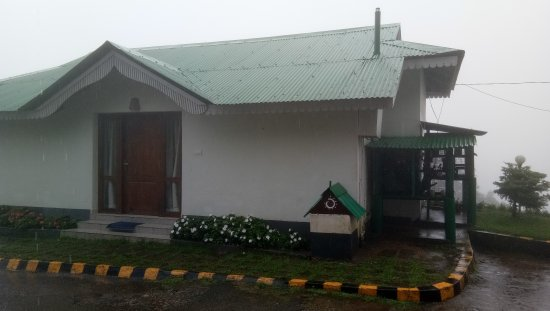 Excellent stay on top of munnar hills