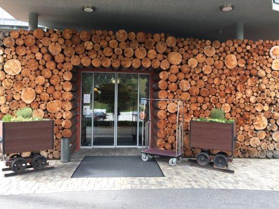 Bad Bleiberg, Austria: Eingang des hotels
