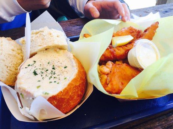 Railroad Fish & Chips: 份量非常大,一個人絕對吃不完
