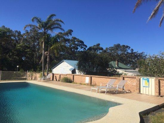 Huskisson, Austrália: salt water pool on site