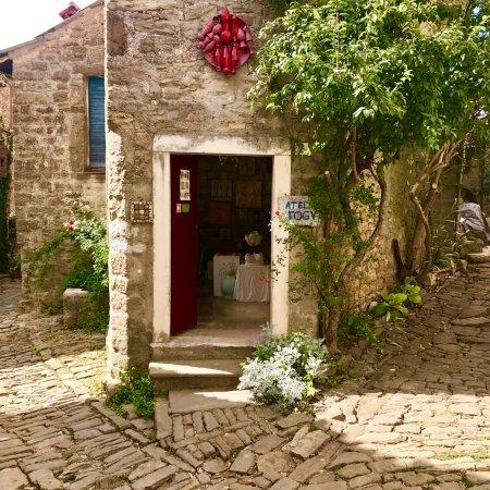 Groznjan, Kroasia: Atelier Togy, Grožnjna