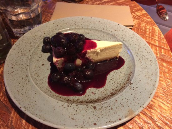 Congresbury, UK: Cheese cake in salsa di mirtilli.