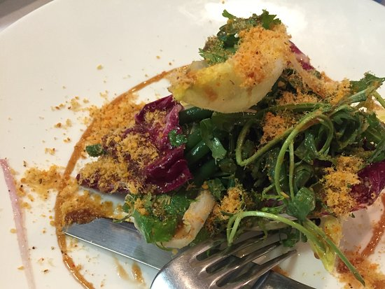 Firmin le Barbier: Good Mood Salad - This tasty fresh salad was topped with an incredibly tasty powder and dressing