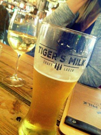 Muizenberg, แอฟริกาใต้: Beer..yum