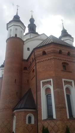 Suprasl, Pologne : Ogromne mury nowej cerkwi