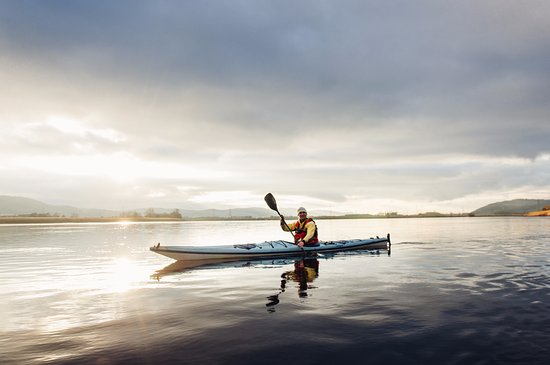 Blairgowrie, UK: River Tay kayaking - Autumn & spring time - best times to enjoy sunsets - kayak trip from Perth