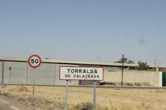 Torralba de Calatrava, إسبانيا: Cartel entrada