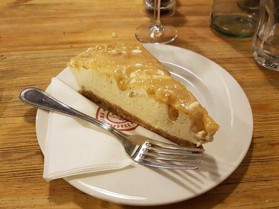 """Dingli, มอลตา: Cheesecake with """"helwa tat-Tork"""""""
