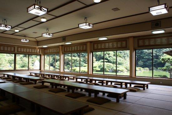 NAKANO.B.C.: 日本庭園が一望できる屋敷「長久邸」。
