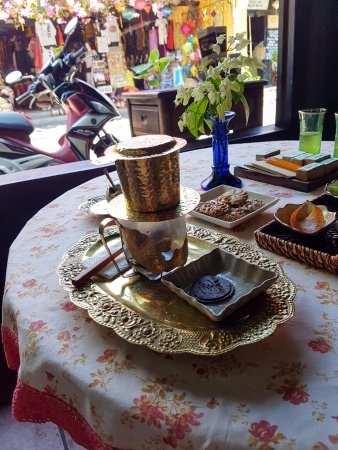 Reaching Out Tea House : great vietnamese coffee