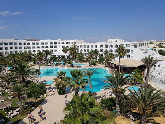 Vincci Nozha Beach Resort: und Aussicht auf die Gartenanlage
