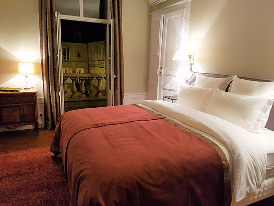 Hotel Tardif Noble Guesthouse: Deluxe Suite bedroom