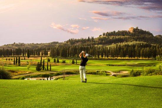 Hotel La Tabaccaia: Golf Club Castelfalfi