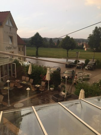 Horgau, Alemania: View from room.