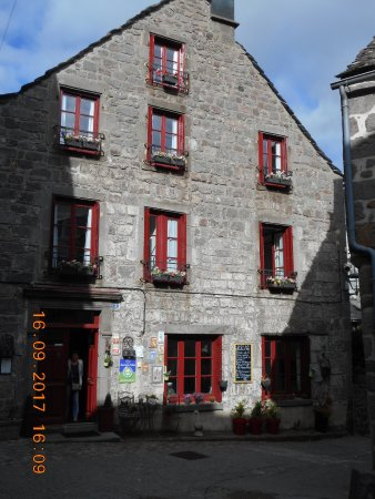 Aaisa chambre d 39 hote b b reviews price comparison besse et saint anastaise france - Tripadvisor chambre d hote ...