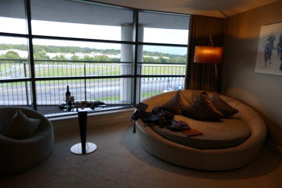Brooklands Hotel Photo