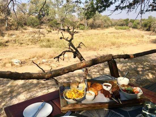 Dulini Lodge: lunch!