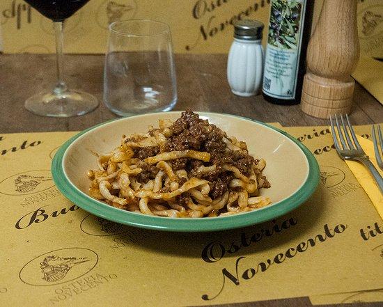 Arcidosso, Italia: Pici al ragu' di carne