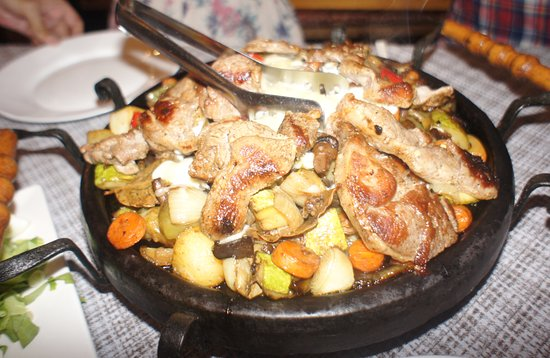Helios Bar and Food: Lamb sizzler. Big enough to feed two.