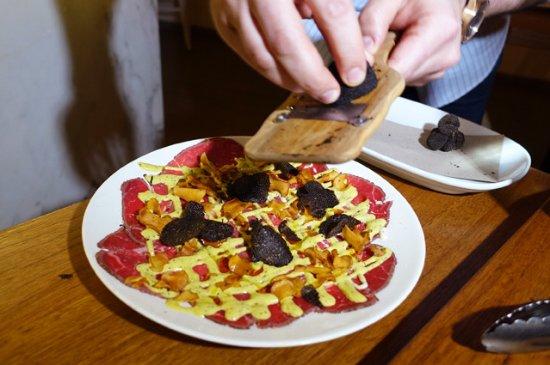 Leichhardt, Australia: Shaving truffles