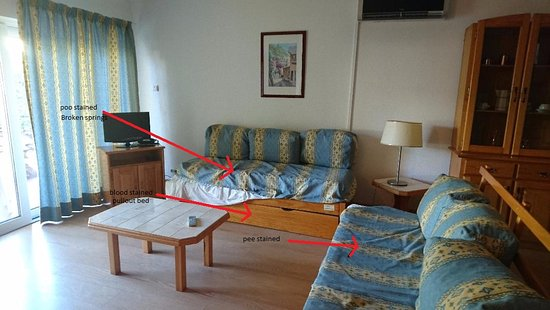 Parque Mourabel Apartments : Supposed upgraded room
