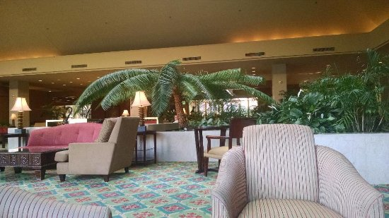 Irving, TX: Beautiful large lobby with evening pianist to set the mood