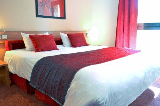 art hotel paris est updated 2017 apartment reviews price comparison pantin france. Black Bedroom Furniture Sets. Home Design Ideas
