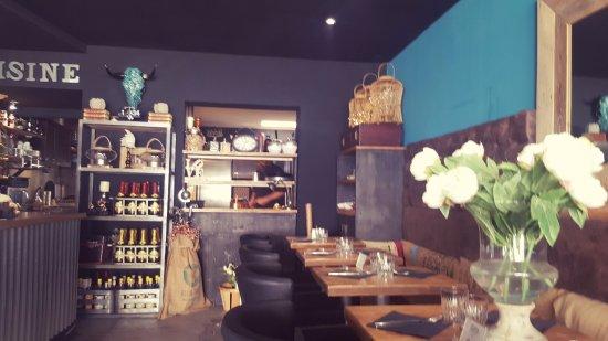belle déco du Restaurant - Picture of Cafe Oppidum, Saintes-Maries ...