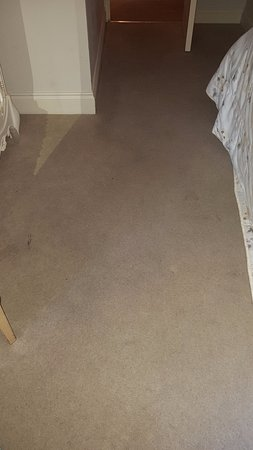 ‪‪Orsett‬, UK: carpet was so dirty, a hoover would have not helped!‬