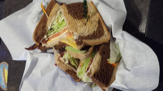 Mishicot, WI: TURKEY CLUB