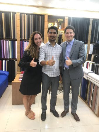 Cherngtalay, Tailandia: Harry Boutique Fashion Tailor