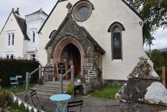 Crianlarich, UK: Arty cafe in converted church
