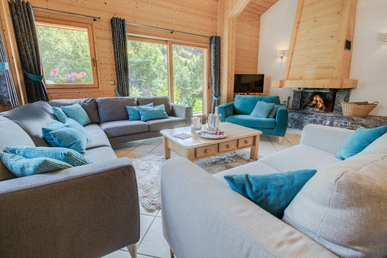 Chalet Martinet : Lounge with open fire