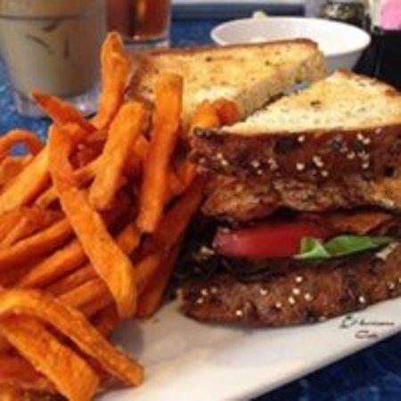 Juno Beach, FL: Salmon BLT with Sweet Potato Fries