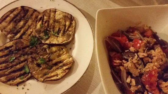 Vibo Valentia, อิตาลี: Insalata calabrese e melanzane grigliate