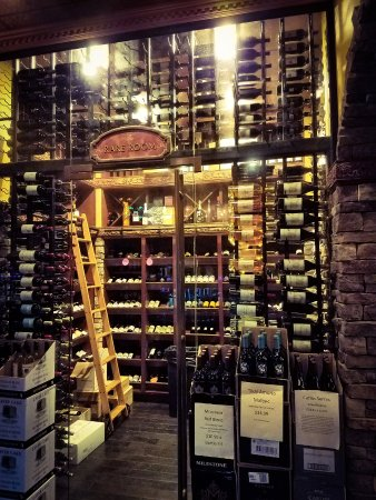 photo1.jpg - Picture of The Wine Room on Park Avenue, Winter Park ...