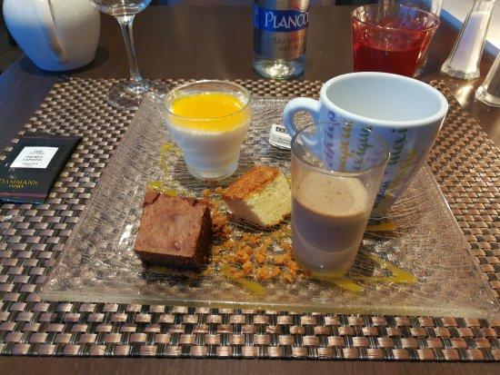 Cesson-Sevigne, France: Thé gourmand