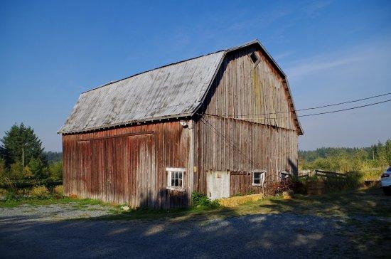 Langley, Canadá: A barn at the vineyard
